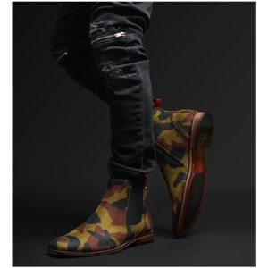 Camouflage Chelsea Boots